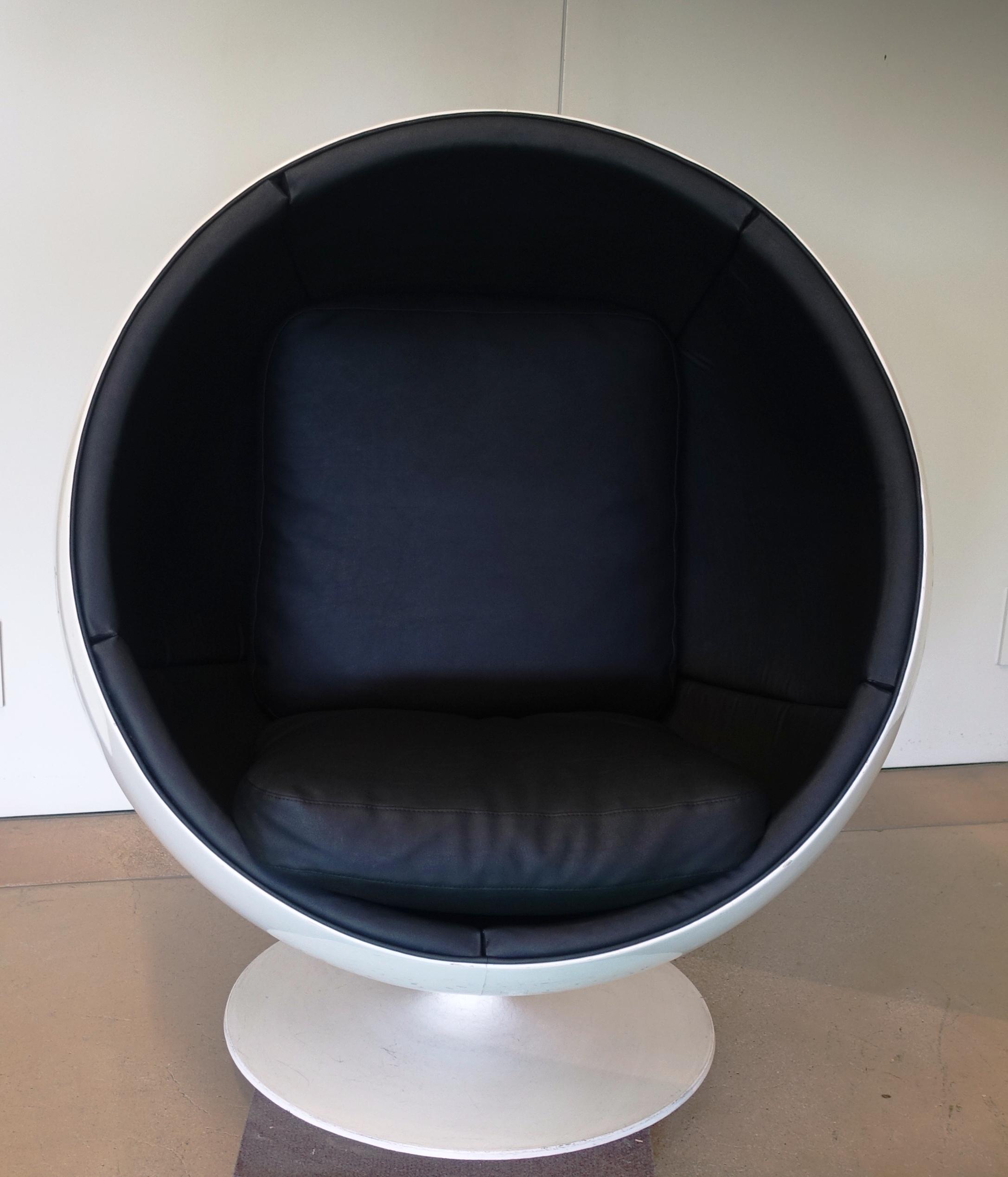 globe chair A